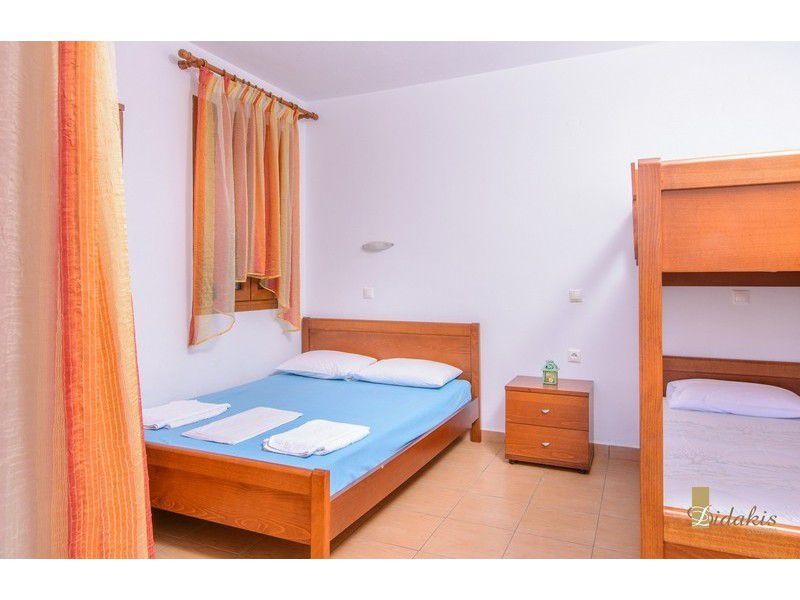 Rooms to let Didakis Studios